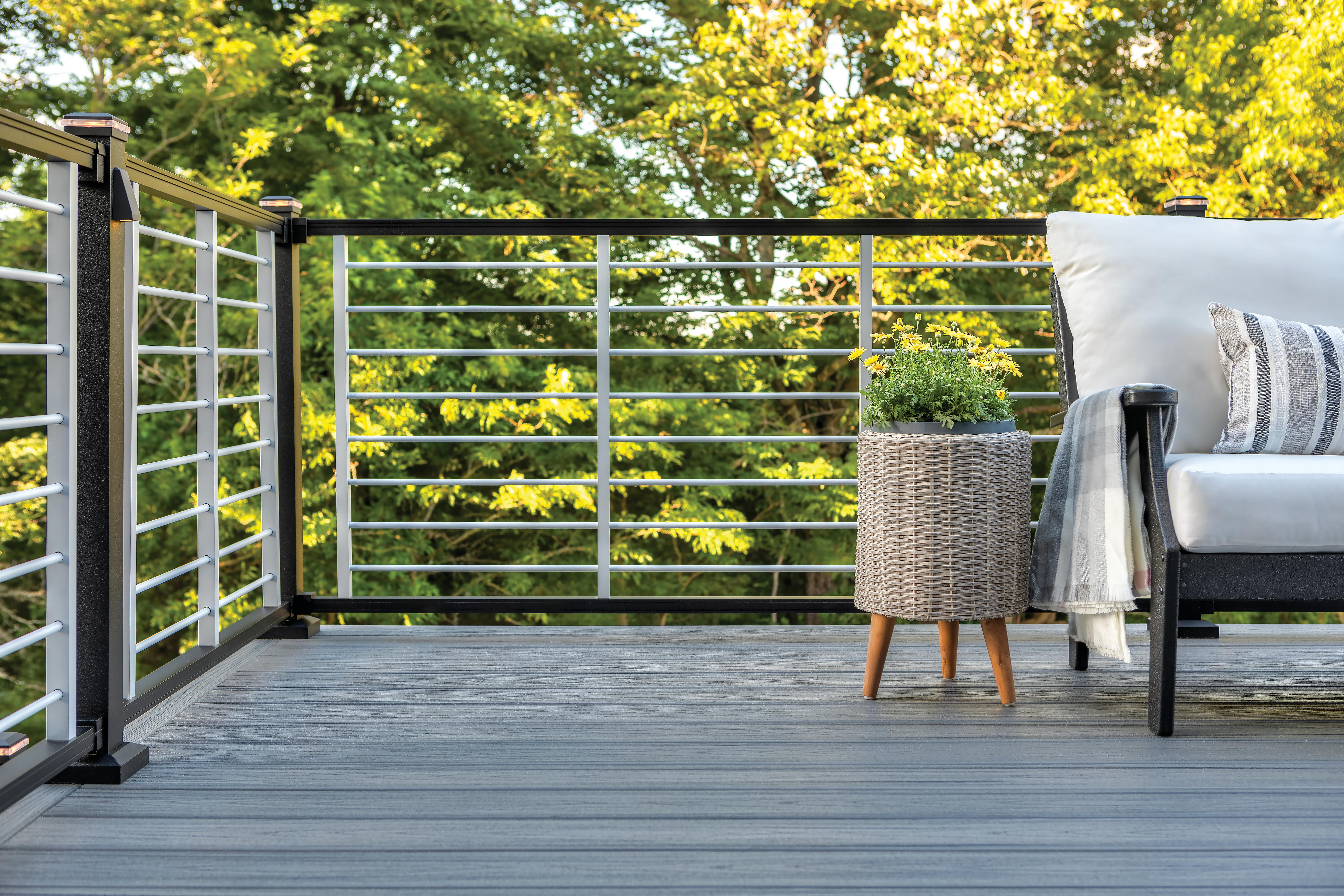 Image of: Deck Railing Ideas Porch Railing Ideas Trex