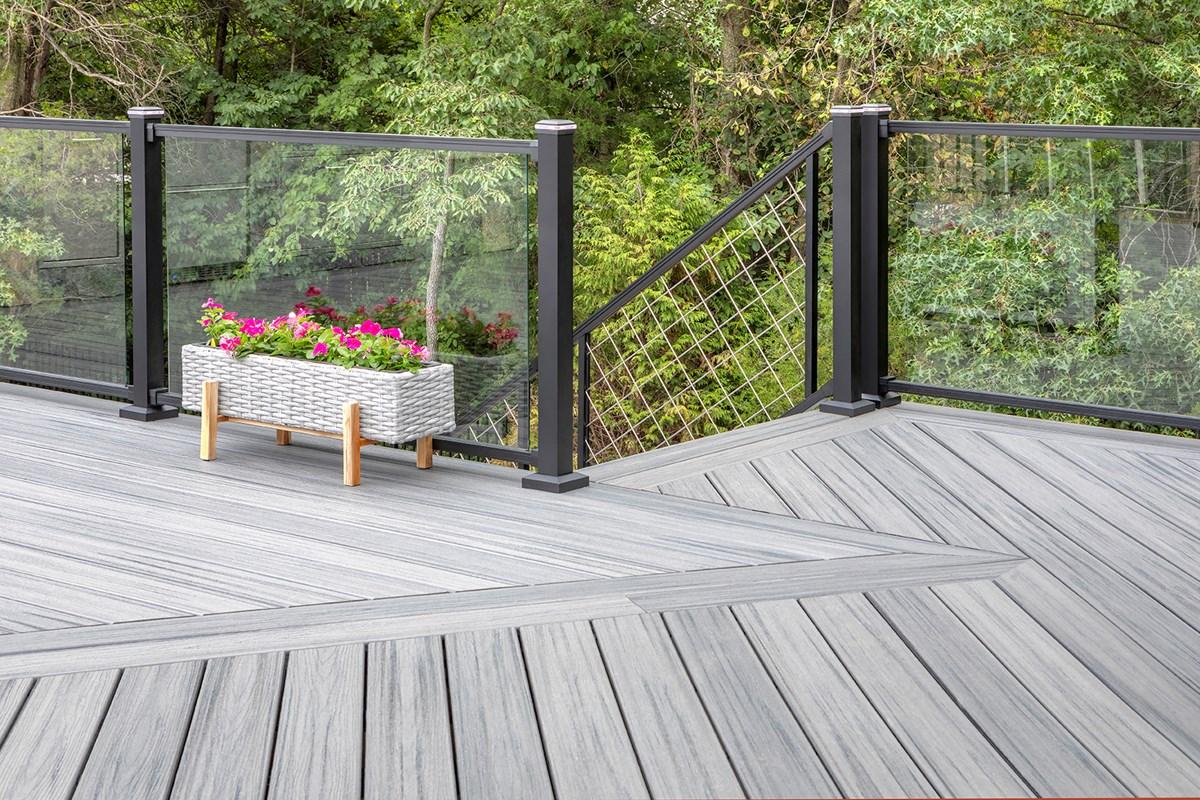 Trex Signature® Glass & Mesh Railing Design | Trex