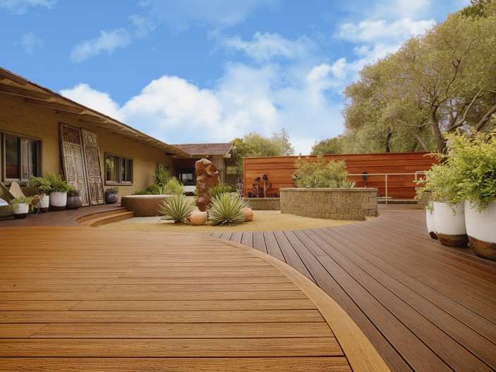 Trex Transcend decking in Tiki Torch and Lava Rock