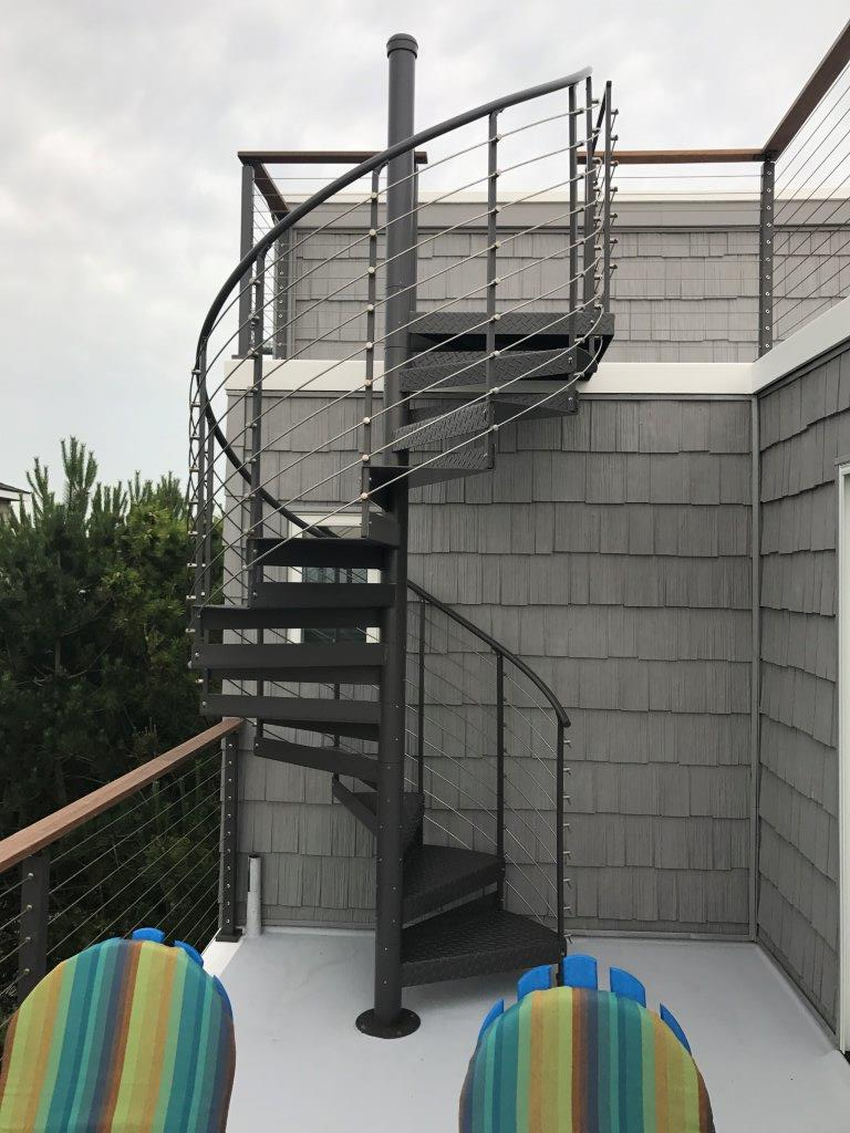 Merveilleux Trex® Spiral Stairs™ Introduces New Multi Line Railing System