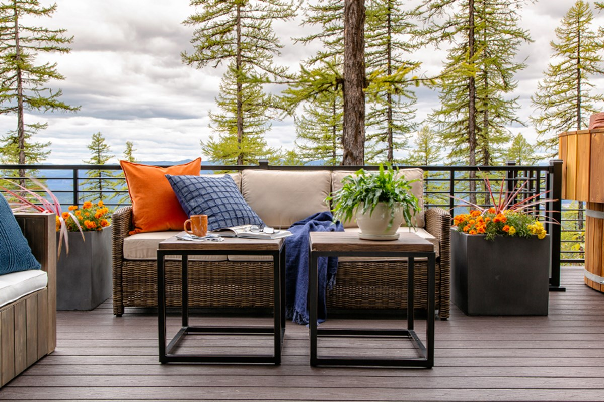 Outstanding Indoors Out Deck Design Tips From Hgtvs Brian Patrick Download Free Architecture Designs Grimeyleaguecom