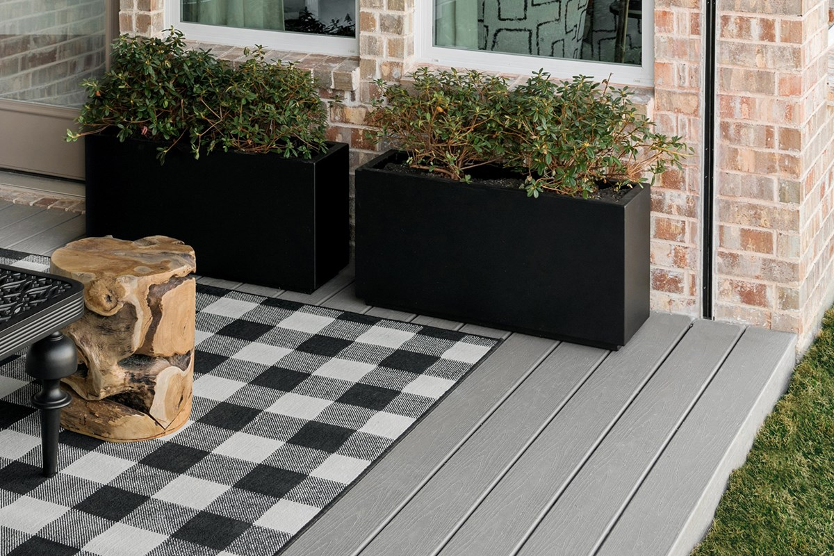 High-Performance Decking For the HGTV® Smart Home 2019 | Trex